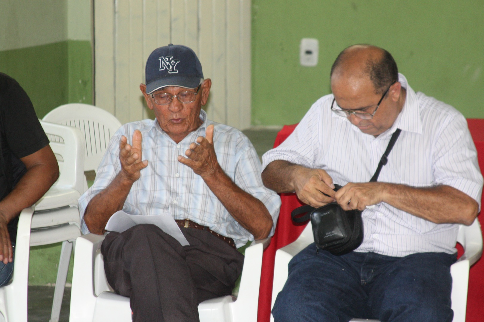 Visit to Mustardinha 7, member of the community's association