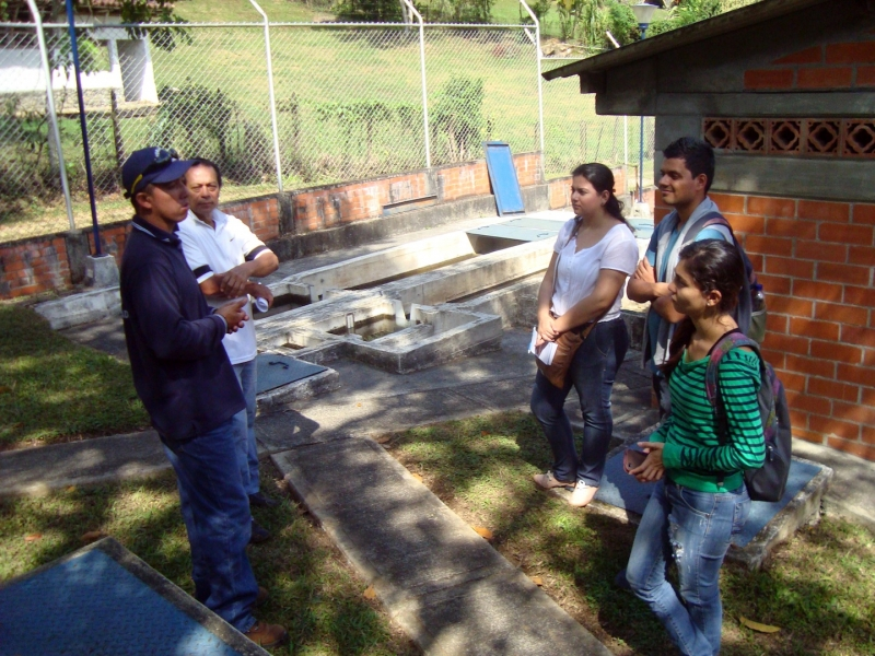 DESAFIO's team at La Vorágine's treatment plant