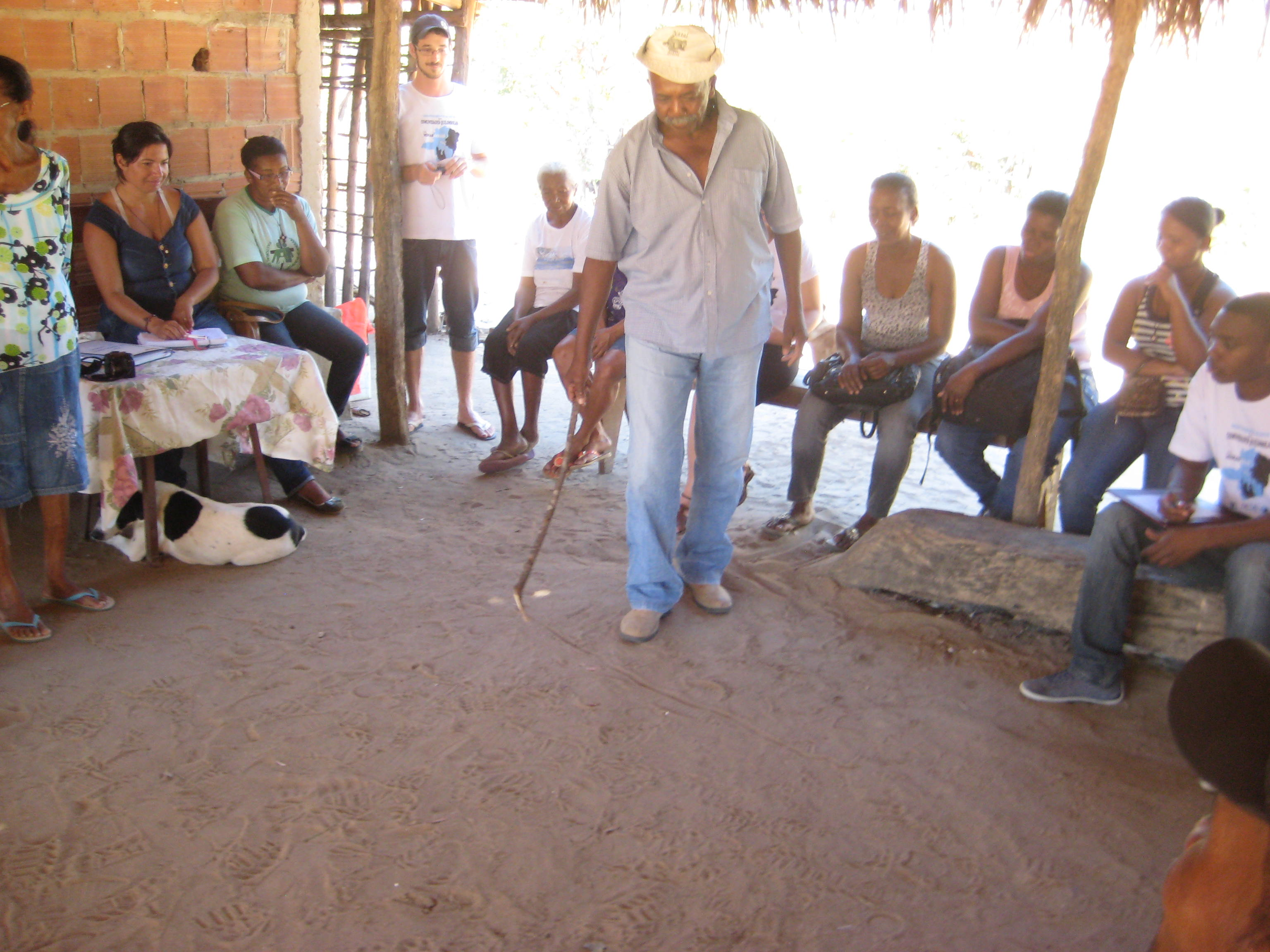 Meeting to develop participatory mapping, Lagedo community, São Francisco, MG